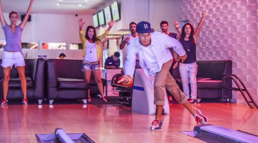 Jual Tiket Promo Strike Bowling, Nikmati Serunya Bermain Bowling di Canggu Club, Bali