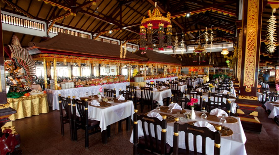 Paket PROMO Makan Spesial di Grand Puncak Sari 2 Kintamani Sambil Menikmati Pemandangan Gunung dan Danau Batur yang Indah