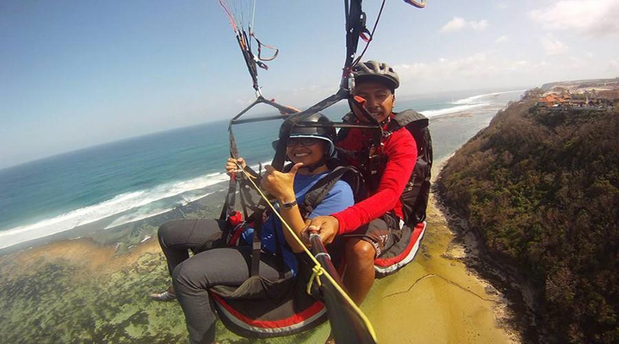 Promo Terbaru Bali Sobek! Wisata Paragliding, Nikmati Wisata Bermain Paralayang di Bali.
