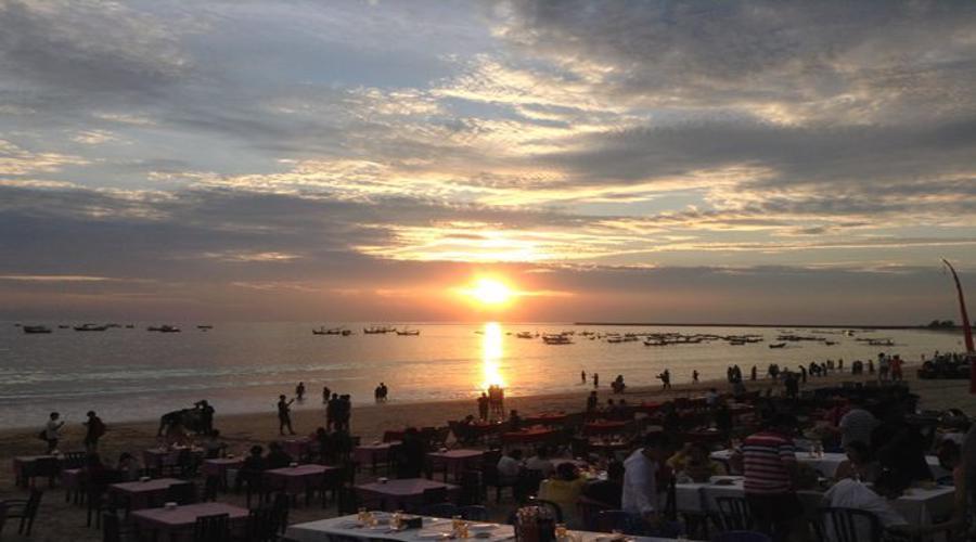 Paket PROMO Dinner Spesial di The Ocean Bali Cafe Jimbaran, Nikmati Dinner Romantis di Pantai Jimbaran